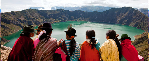 Adventure in Quilotoa crater lake in Ecuador for Spanish students