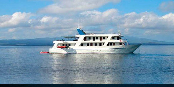 tourist class galapagos cruise last-minute